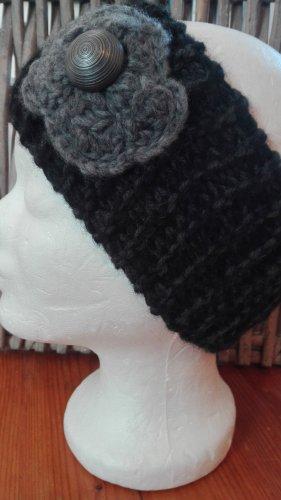 Handmade Cappello a maglia nero-grigio scuro