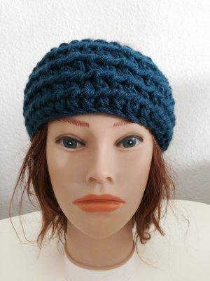 Bonnet en crochet bleu pétrole