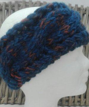 Handarbeit Chapeau en tricot bleu foncé