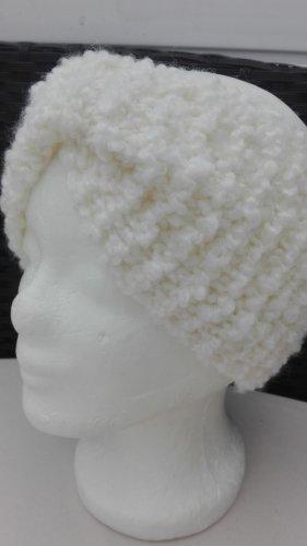 Handarbeit Chapeau en tricot blanc cassé