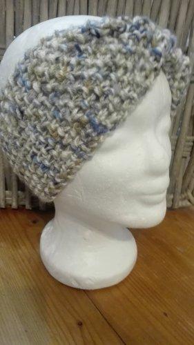 Handarbeit Cappello a maglia crema-blu fiordaliso