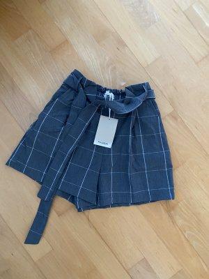 Stoff-Shorts