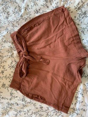 Pull & Bear Pantalón corto de talle alto color rosa dorado