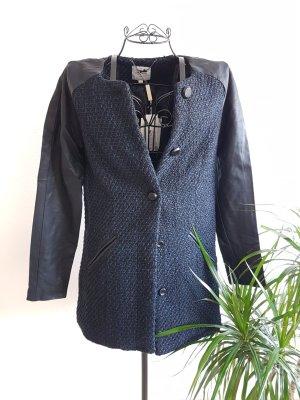Stoff- und  Mantel
