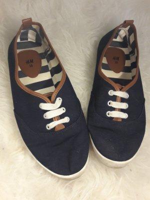 Stoffschuhe/Sneaker
