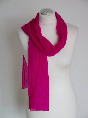 Stola Schal in Farbe Fuchsia weiches material in Knitterlook