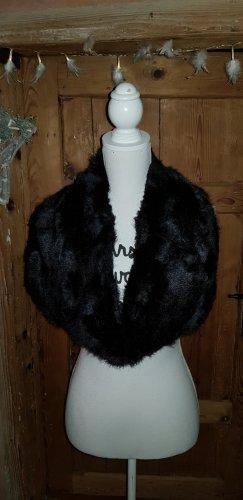 Stole black fake fur