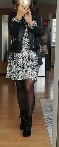 Stradivarius plissiertes Kleid mit Animalprint XS Freizeitkleid Asos Sommerkleid lässig langarm Kleid 34