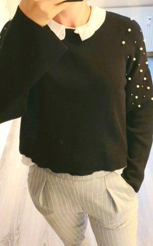 Stradivarius Pullover mit Perlenbesatz in schwarz, S