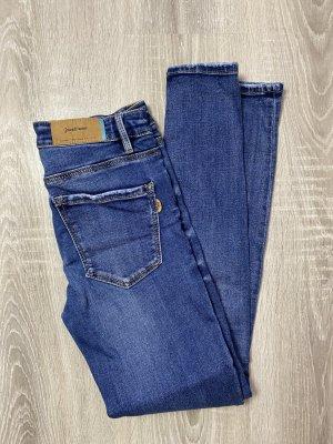 stradivarius skinny gr 34 damen jeans gebraucht sommer herbst hose