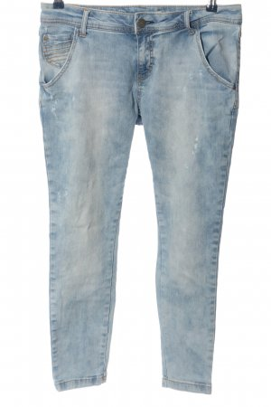 Stradivarius Slim Jeans blau Street-Fashion-Look