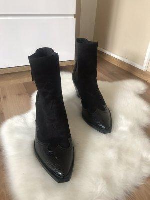 Stradivarius Boots western noir