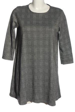 Stradivarius Robe en maille tricotées gris clair-noir motif à carreaux