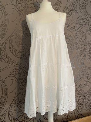 Stradivarius süßes Sommerkleid Leinenkleid mit Spitze