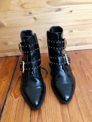 Stradivarius Swarz Ankle Boots