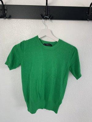 Strahlenden grünes Tshirt