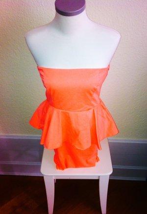 Strahlendes Sommerkleid in Neonorange