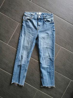 Bershka Jeansy z prostymi nogawkami jasnoniebieski
