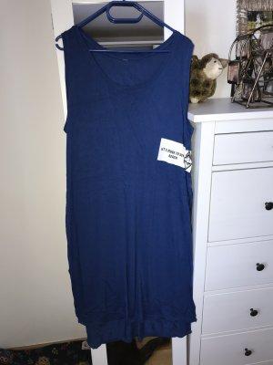 Sukienka o kroju koszulki niebieski