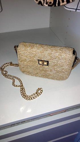 Strandtasche mit goldenen Details
