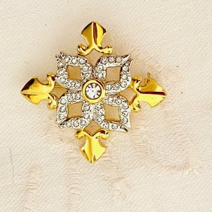 Brooch white-gold-colored