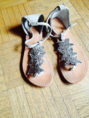 High-Heeled Toe-Post Sandals oatmeal