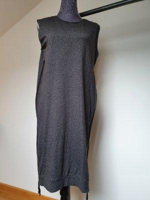 Streetstyle Sweatkleid mit seitlichen Reißverschlüsse