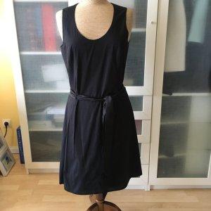 Strenesse Gabriele Strehle Etui Kleid Gr. 38 schwarz mit Gürtel