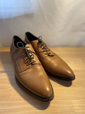 Strenesse Wingtip Shoes brown-cognac-coloured