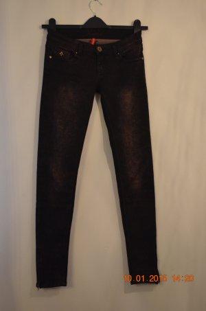 Stretch-Jeans aus Paris