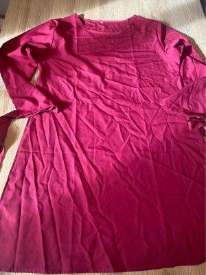 Vestido elástico rojo frambuesa