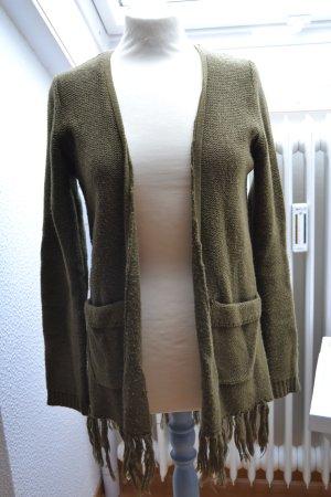 Strick Jacke Cardigan oliv khaki Fransen Reserved