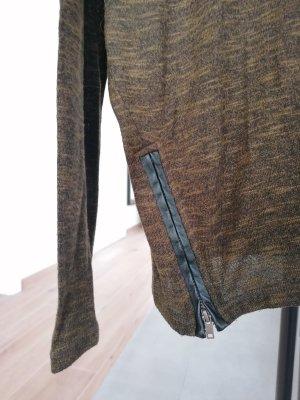 Strick mit Lederdetail / khaki