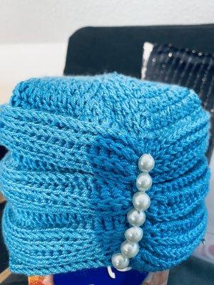 Hand made Gebreide Muts lichtblauw-korenblauw