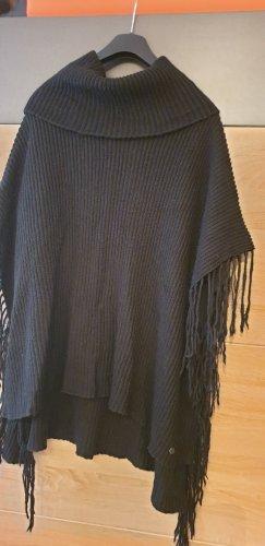 Malvin Knitted Poncho black