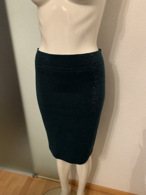 D. Exterior Knitted Skirt forest green-gold-colored