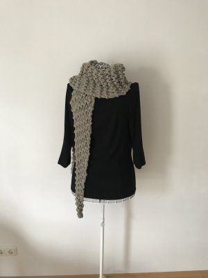 Six Knitted Scarf grey brown