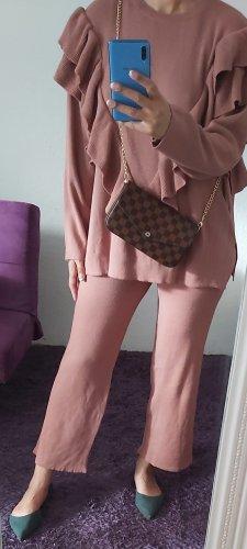 Traje de pantalón rosa empolvado