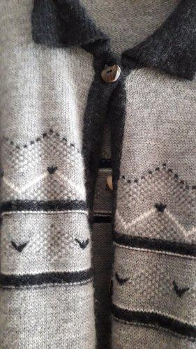 Strickjacke 100% Wolle