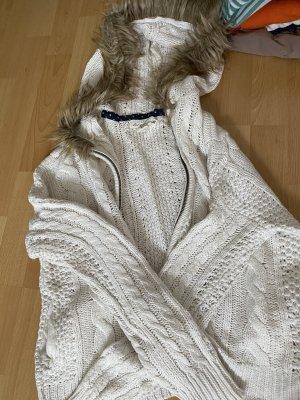 H&M Futrzana kurtka w kolorze białej wełny