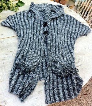 Strickjacke mit kurzem Arm