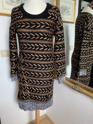 Strickkleid in schwarz- Bronze