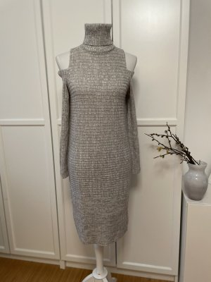 Strickkleid mit Cut Out Ärmeln
