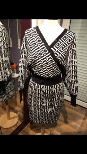 Strickkleid onesize 36 38 40 schwarz weiß luxus