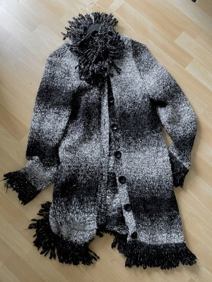 One Touch Knitted Coat white-black