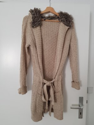 Strickmantel in Beige mit Fell an der Kapuze