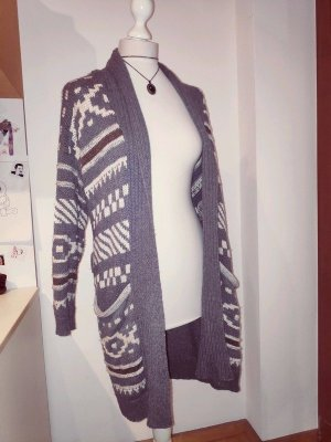strickmantel / Strickjacke mit Muster