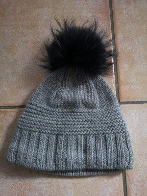 Cappello a maglia nero-grigio