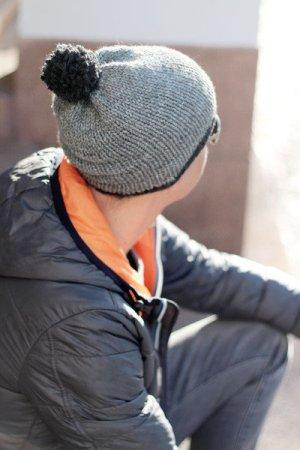 Cappello con pon pon grigio-antracite Acrilico