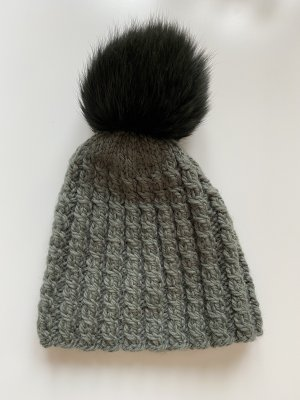 Knitted Hat green grey